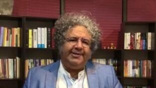 بکتاش آیتین، عضو کانون نویسندگان ایران