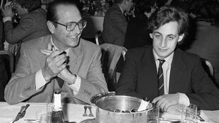 法国前总统希拉克与萨科齐年轻时资料图片