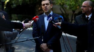 Le Premier ministre grec a défendu l'accord de Prespes devant la presse, le 13 janvier 2018 à Athènes.