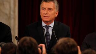 """O presidente argentino Macri é acusado de """"conivência silenciosa"""" em relação aos crimes da ditadura"""