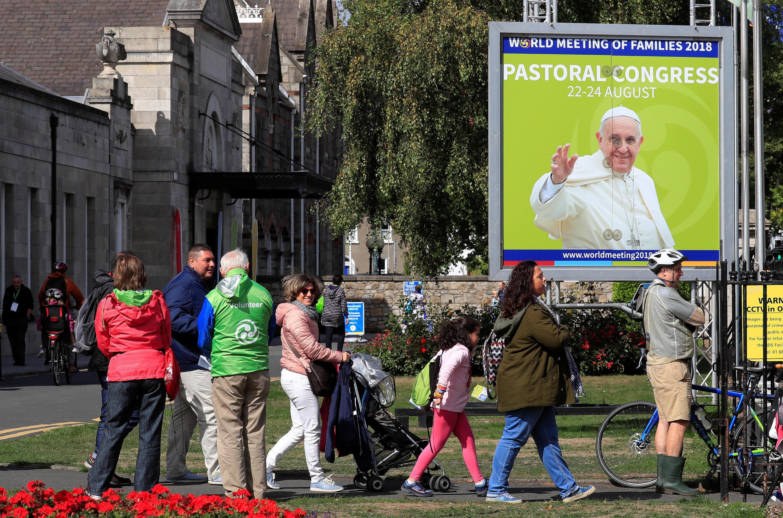 Dublinse prepara para chegada de papa Francisco, que participa do Encontro mundial das famílias