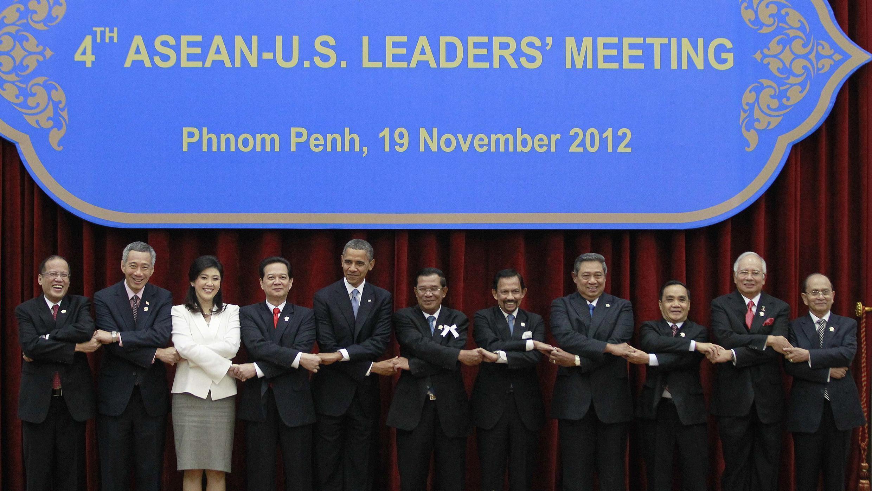 Tổng thống Mỹ Barack Obama và các lãnh đạo Đông Nam Á tại Hội nghị Thượng đỉnh Mỹ - ASEAN ngày 19/11/2012 (Phnom Penh, Cam Bốt).