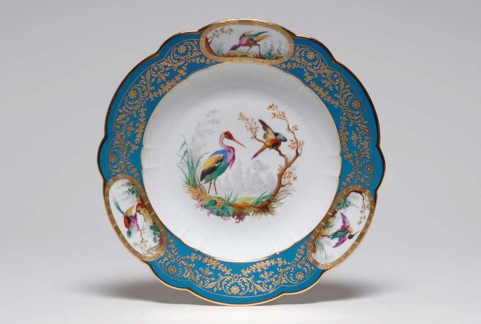 Тарелка из сервиза с птицами. Севрская мануфактура