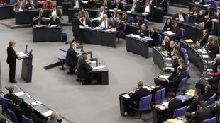 La chancelière allemande Angela Merkel devra convaincre le Bundestag, le 29 septembre, du bien fondé du projet de loi sur les pouvoirs du FESF.