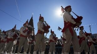 Parada palestina de Navidad en la plaza Manger de Belén, 24 de diciembre de 2013.