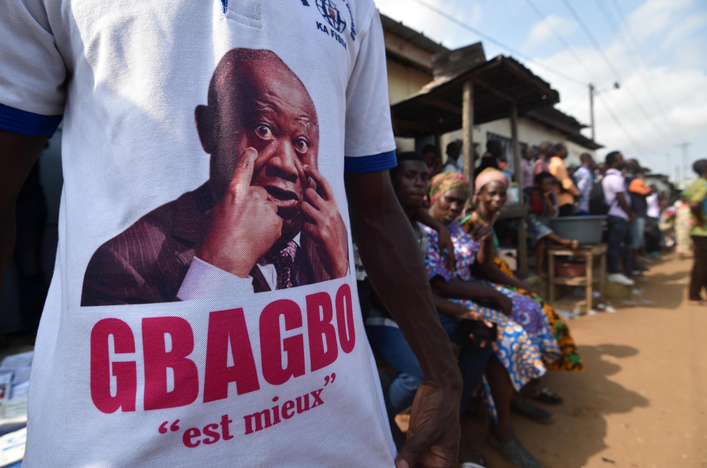 IMAGE Un partisan de Laurent Gbagbo en Côte d'Ivoire, en juillet 2018. (Image d'illustration)