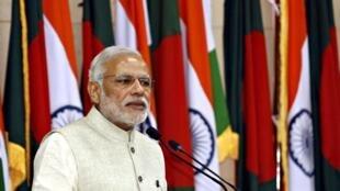 Thủ tướng Ấn Độ Modi tại Dhaka. Hoạt động ngoại giao chiếm vị trí quan trọng trong chiến lược kinh tế của New Delhi.