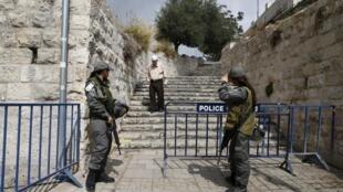 Contrôle de police à l'entrée de la Vieille ville de Jérusalem, ce vendredi matin.