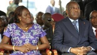 Simone e Laurent Gbagbo, absolvido pelo TPI de crimes de guerra e crimes contra a humanidade a  de março de 2021.