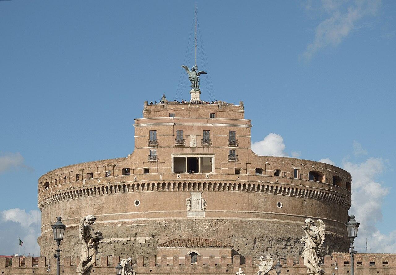 L'exposition «Le monde sauvera-t-il la beauté ?» se déroule dans le château Saint-Ange, situé sur la rive droite du Tibre à Rome
