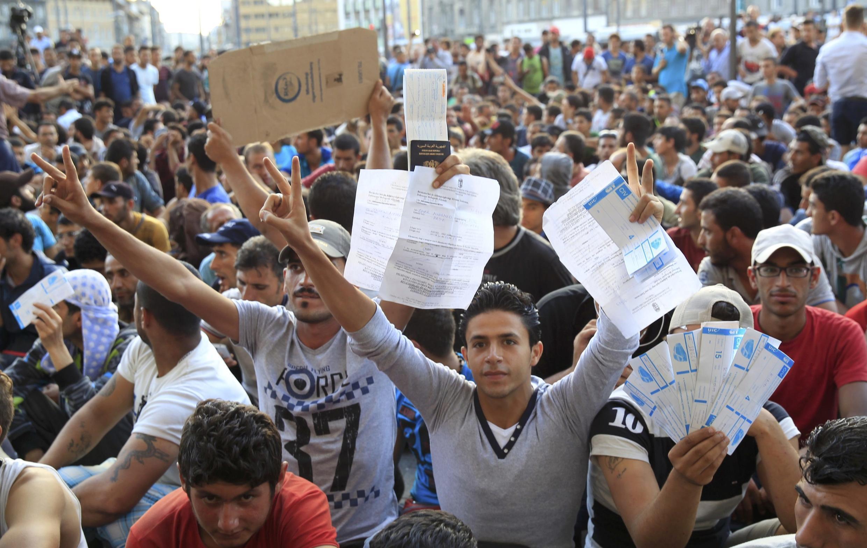 Des réfugiés à leur arrivée à la gare de Keleti, à Budapest, en Hongrie, le 2 septembre 2015.