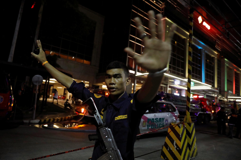 6月2日菲律賓馬尼拉豪華度假村的賭場酒店外面警衛