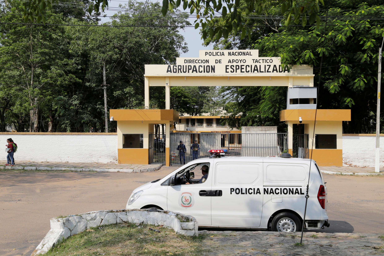Prisão, onde o ex-jogador  Ronaldinho Gaúcho, está preso com seu irmão.