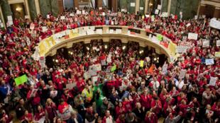 Les manifestants ont investi le Capitole de Madison, dans le Wisconsin, le 17 février 2011.