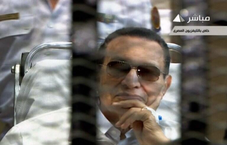Ông Hosni Moubarak, tại phiên tòa, Cairo, ngày 13/04/2013
