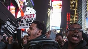 Người biểu tình tại New York ngày 3/12/2014, đòi công lý cho Eric Garner, người da đen chết dưới tay cảnh sát da trắng.