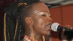 La chanteuse ivoirienne Dobet Gnahoré