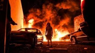 Четвертую ночь в США продолжаются протесты против полицейского насилия