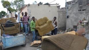 Brazzaville, le 8 mars 2012. Le bilan de l'explosion du dépôt de munitions a été établi à 200 morts, 2 300 blessés et 14 000 sans-abri.