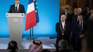 El presidente François Hollande se dirige a los participantes en la Conferencia Internacional sobre la lucha contra el Estado Islámico, en París, el 15 de septiembre de 2014.