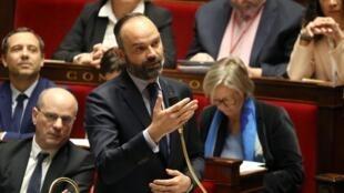 Le Premier ministre, Édouard Philippe veut ramener à l'équilibre financier le régime des retraites. Le gouvernement a même anticipé un second âge pivot.