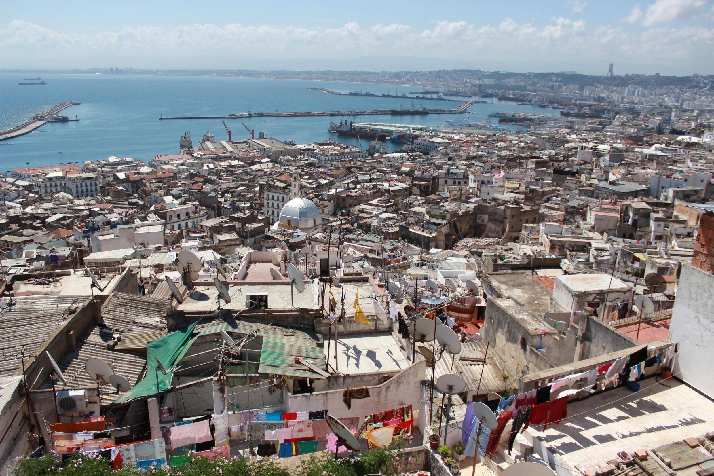 La baie d'Alger vue depuis la haute Casbah.