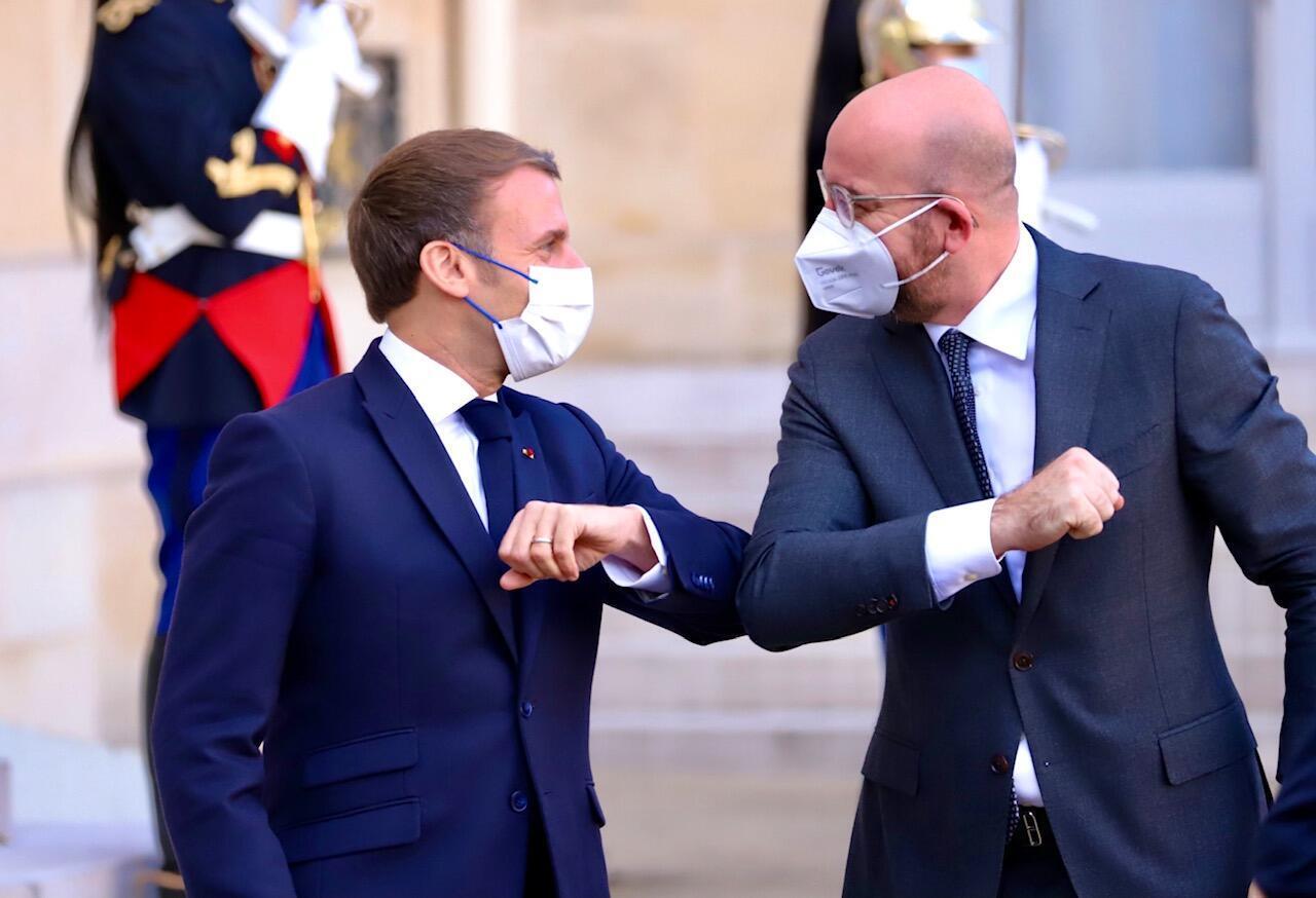 Shugaba Emmanuel Macron da shugaban kungiyar EU Charles Michel.