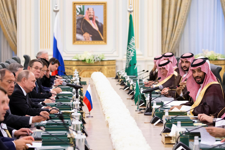 در سفر ولادیمیر پوتین به ریاض، توافقنامههای متعددی میان دو کشور امضاء شد. دوشنبه ٢٢ مهر/ ١٤ اکتبر ٢٠۱٩