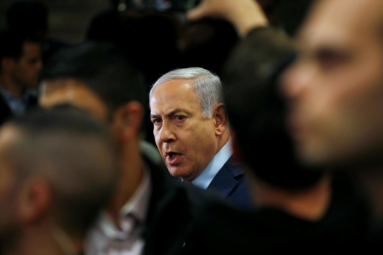 O primeiro-ministro israelense, Benjamin Netanyahu, não conseguiu formar uma coalizão e o parlamento convocou novas eleições para 17 de setembro.