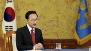 Le président sud-coréen Lee Myung-bak, le 1er février 2011 à Séoul.