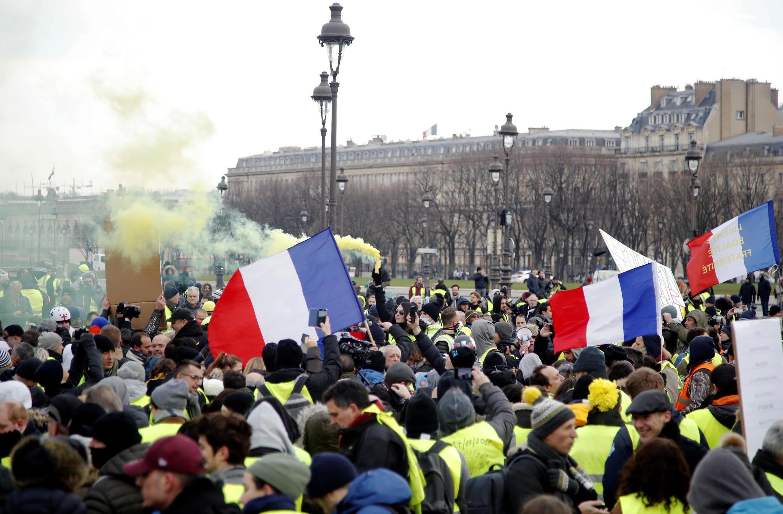 19 января, в акциях «желтых жилетов» по всей Франции участвовали более 80 тысяч человек