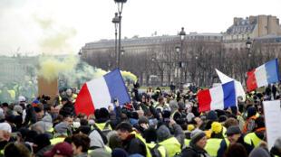 2019年1月19日巴黎街頭的黃背心抗議集會