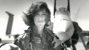 Tammie Jo Shults en 1992 au sein de l'US Navy.