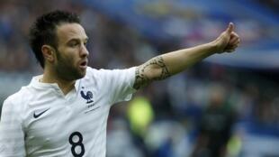 O jogador francês Mathieu Valbuena, autor do gol da vitória francesa no amistoso contra Portugal.