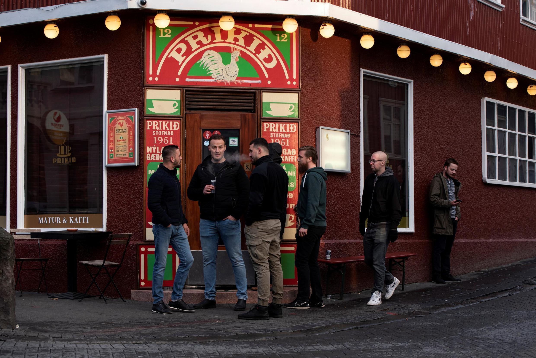 Pour les «deux à trois prochaines semaines au moins», les bars, discothèques et salles de sport ferment à nouveau leurs portes en Islande.