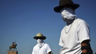 Miembros de un grupo de autodefensa en Múgica, Michoacán, el pasado 14 de enero.
