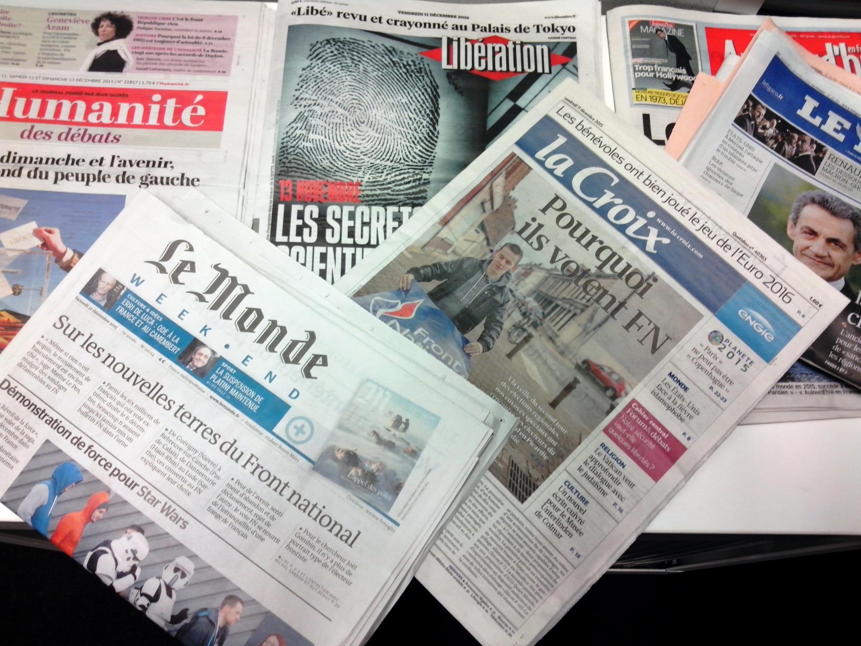 Capas dos jornais diários franceses de 11/12/15