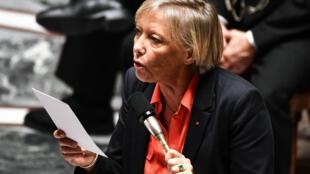 Sophie Cluzel, secretária de Estado, durante sessão na Assembleia Nacional de Paris, 26 de setembro 2018