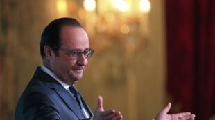 El presidente Hollande en el palacio presidencial del Eliseo.