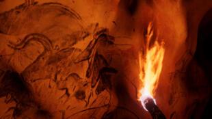 Capture d'écran de la visite virtuelle de la grotte Chauvet.