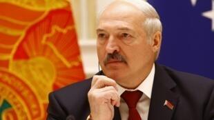 В 2015 году Александр Лукашенко обещал «разобраться» со штрафами для журналистов, сотрудничающих с иностранными СМИ без аккредитации.