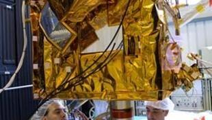 Chuẩn bị thử nghiệm sức chịu nhiệt của vệ tinh Picard.