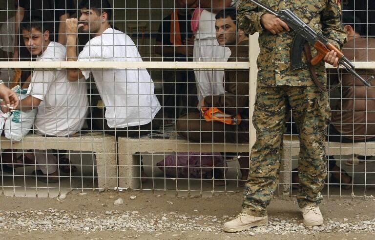 Un groupe de prisonniers détenus au centre de détention d'Al-Rusafa à Bagdad, le 29 avril 2010 (image d'illustration).