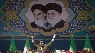 O presidente iraniano Mahmoud Ahmadinejad durante a cerimônia que comemorou 33 anos da Revolução Islâmica, em Teerã.
