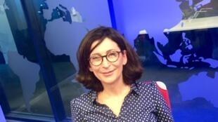 L'écrivaine Parisa Reza en studio à RFI.