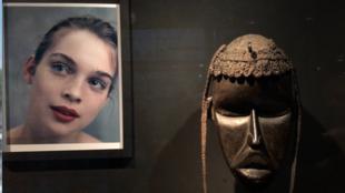 """The exhibition Bettina Rheims """"Vous êtes finies, douces figures"""" runs until 3 June 2018 at Musée du Quai Branly in Paris."""