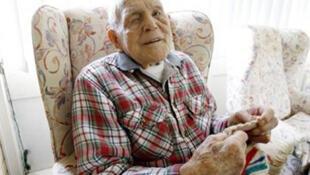 Claude Choules, le dernier vétéran survivant de la Première guerre mondiale, fête ce jeudi 3 mars 2011, son 110ème anniversaire.