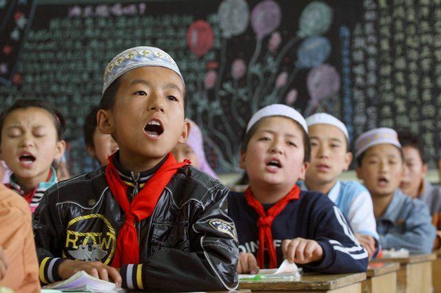 Wasu yaran kabilar Hui marasa rinjaye a China.