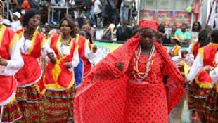 Imagens do Carnaval de Luanda de 2014 e a festa carnavalesca continua em 2016.