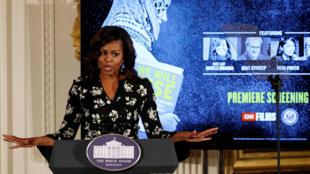 la première dame a défendu les femmes face aux agressions sexuelles. Cette intervention s'adressait bien sûr à Donald Trump même si Michelle Obama se gardait bien de prononcer le nom du candidat républicain.